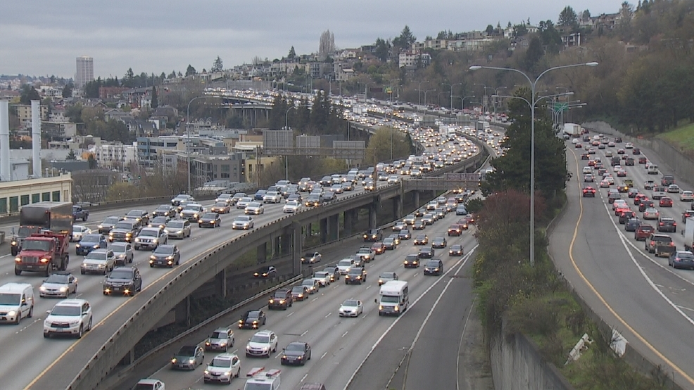 Commuters waste $1,440 a year on Seattle traffic congestion, study says