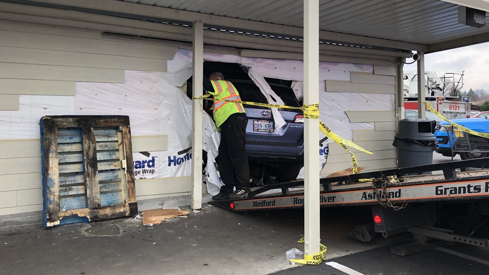Driver Hospitalized After Crashing Into Food 4 Less Mail Tribune