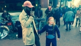 VIDEO: Singer serenades 11-year-old girl outside D.C. Metro station