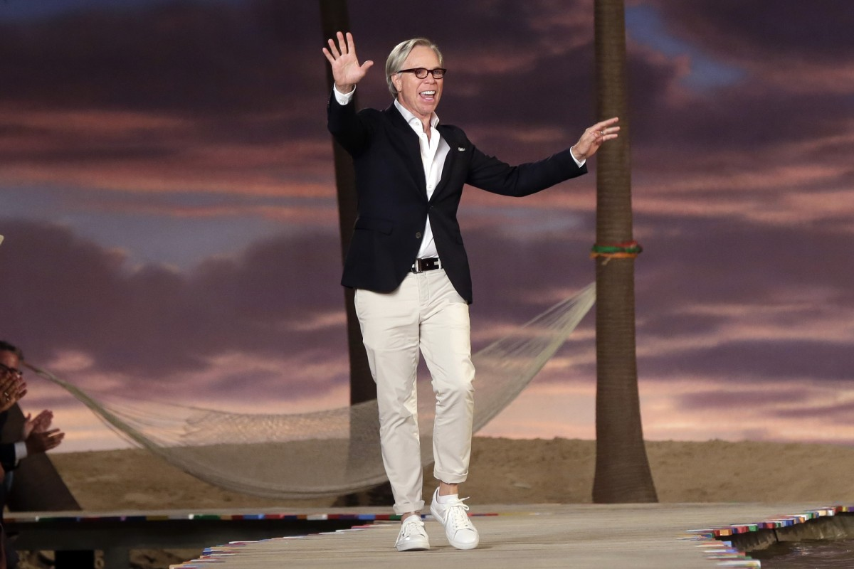 an island lagoon at tommy hilfiger nyfw show wach. Black Bedroom Furniture Sets. Home Design Ideas