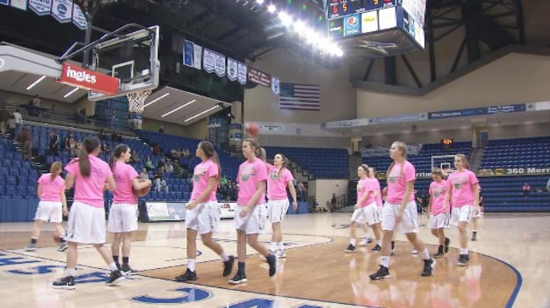 The Mountain Heritage girls team warms up (WLOS Staff).jpg