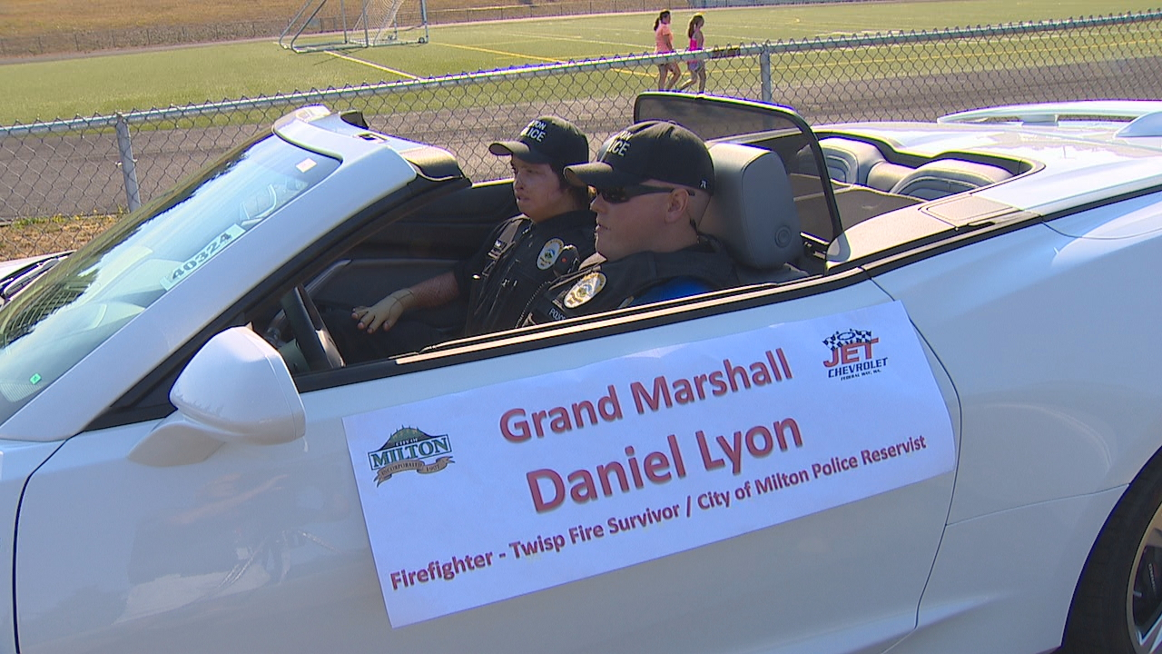 Photos injured firefighter serves as parade grand marshal komo daniel lyon who injured in the devastating twisp wildfire last year served as the sciox Choice Image