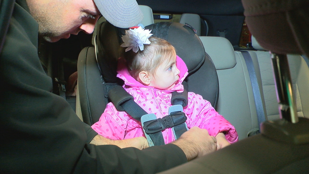 70251ee12b37 Puffy winter coats could pose danger for kids while in car seats