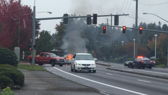 Car catches fire on Coburg Road near Oakway Center