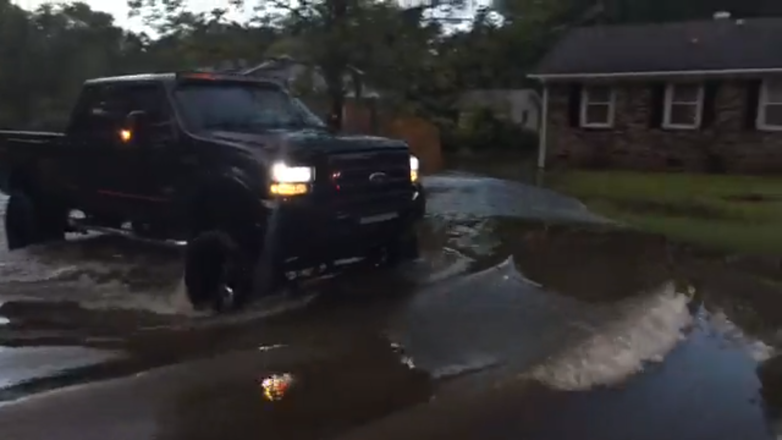 Oxford Road flooding, Ladson, Berkeley County (WCIV)
