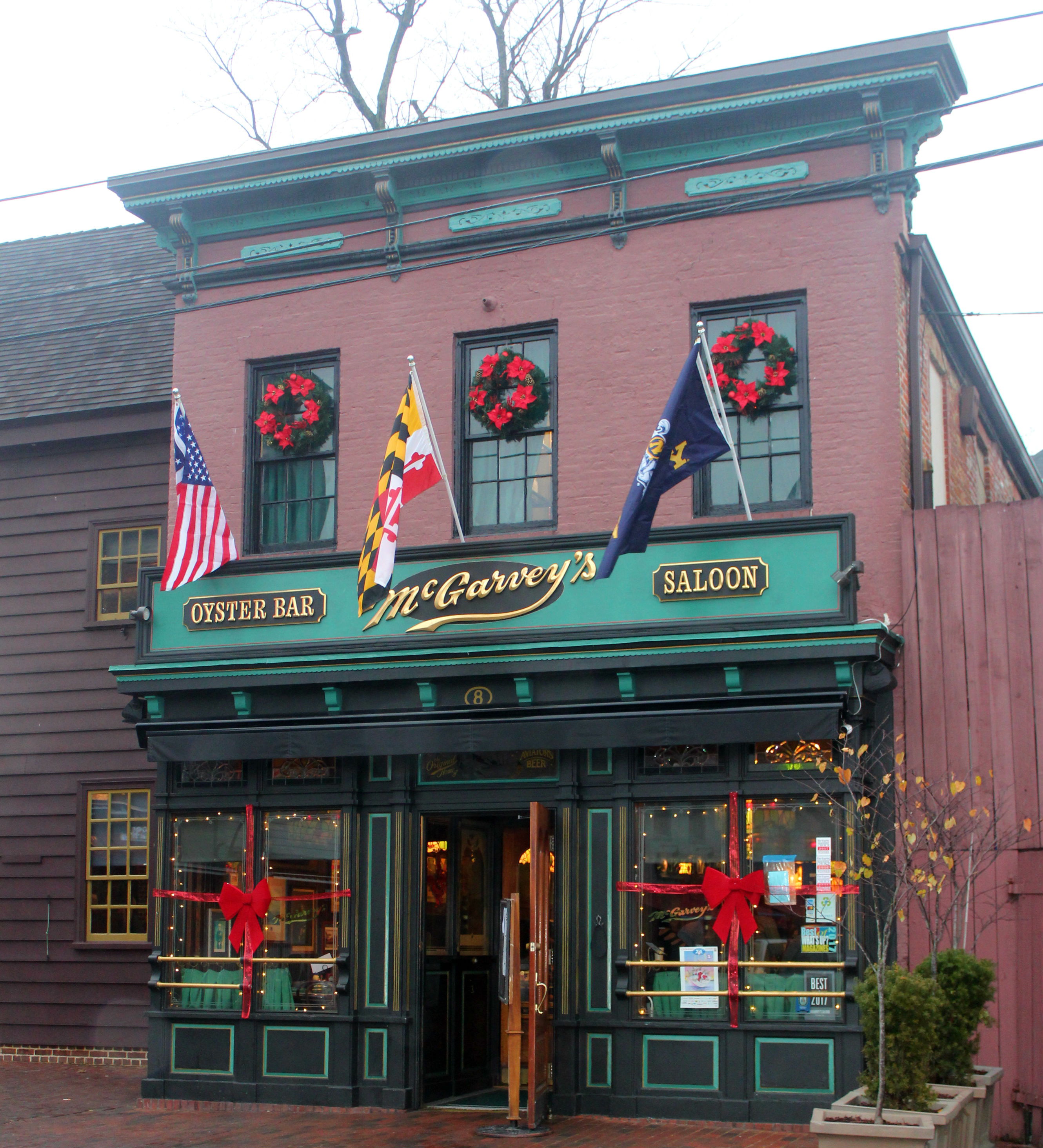 Most restaurants and store fronts have wreaths, lights, garland and other decor.{&nbsp;}(Image: Julie Gallagher)<p></p>