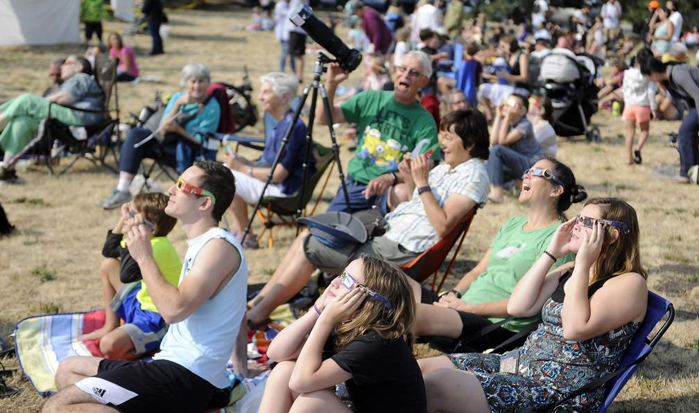 Eclipse viewing at Science Works in Ashland - Andy Atkinson