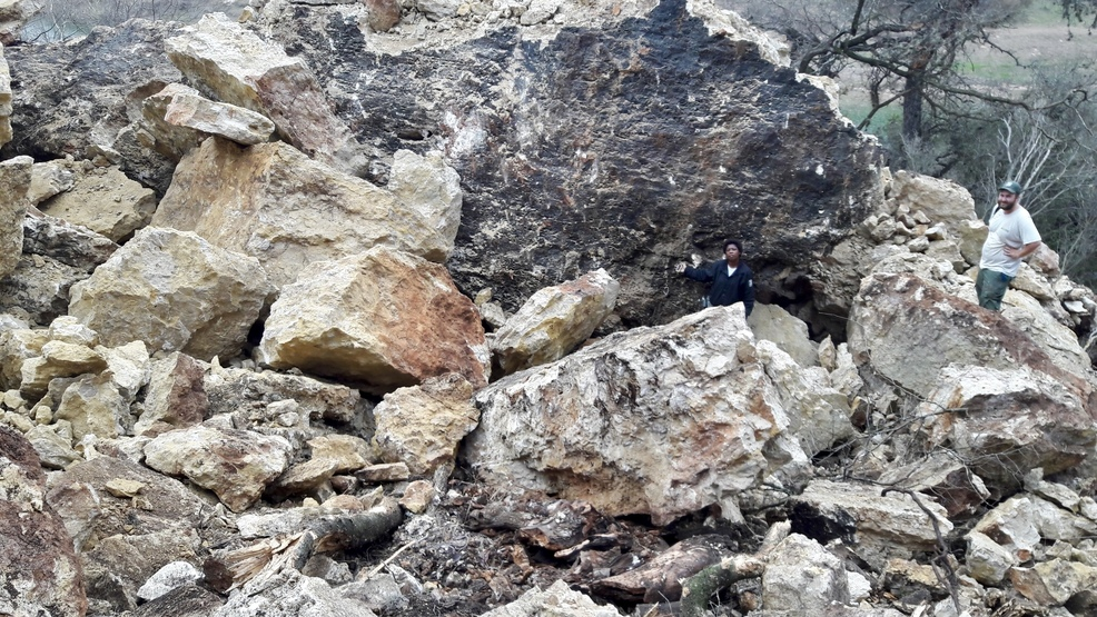200-foot-long section of limestone cliff collapses in west Travis Co