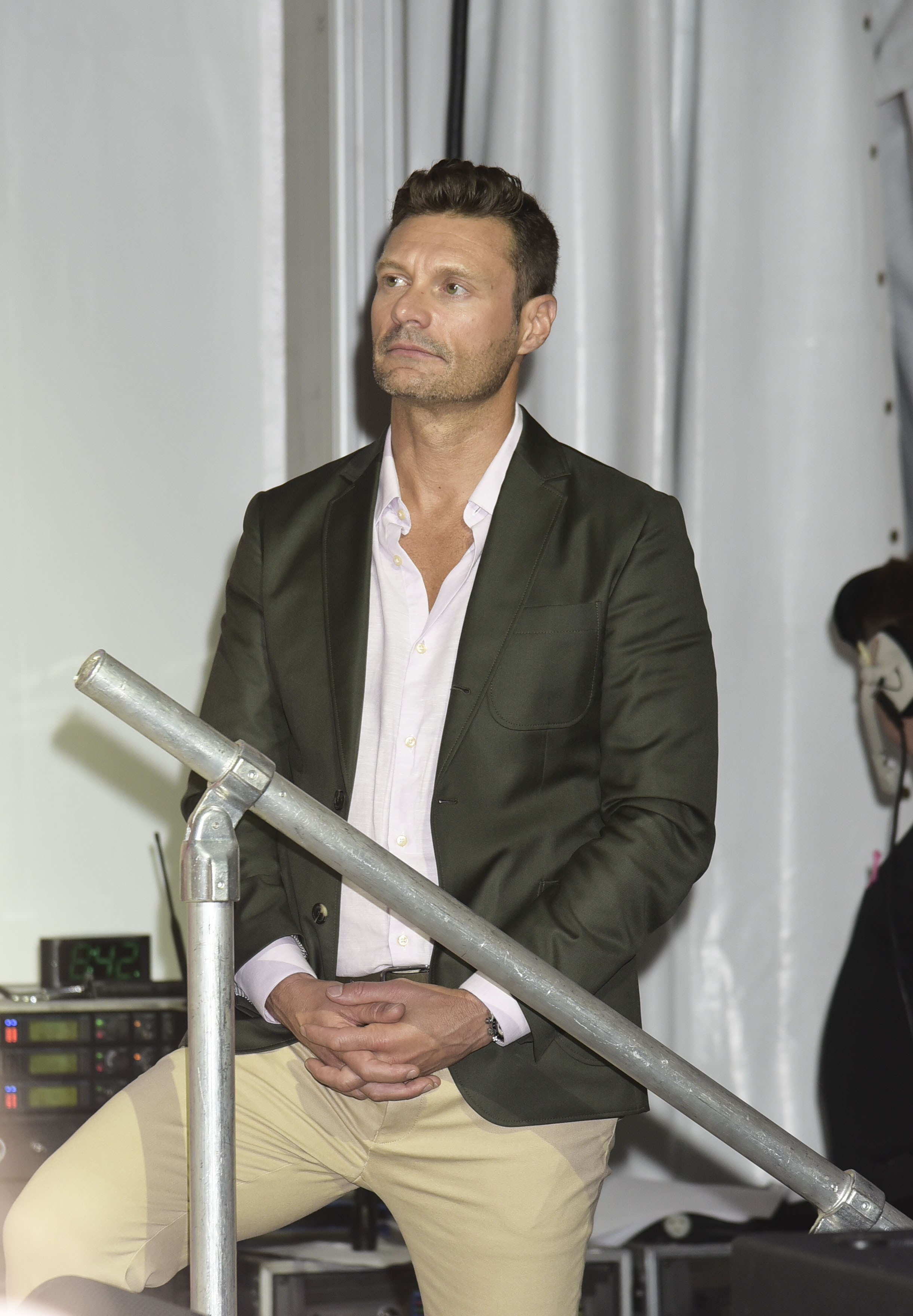 Ryan Seacrest and other celebs party at the Hamptons Paddle & Party for Pink in the Hamptons                                    Featuring: Ryan Seacrest                  Where: Bridgehampton, New York, United States                  When: 06 Aug 2017                  Credit: Rob Rich/WENN.com