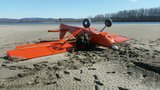 Pilot uninjured after crashing into Columbia River