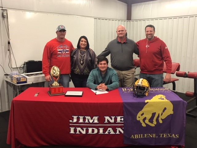 Jim Ned's Payton Weatherley signed with Hardin-Simmons for football.<p></p>
