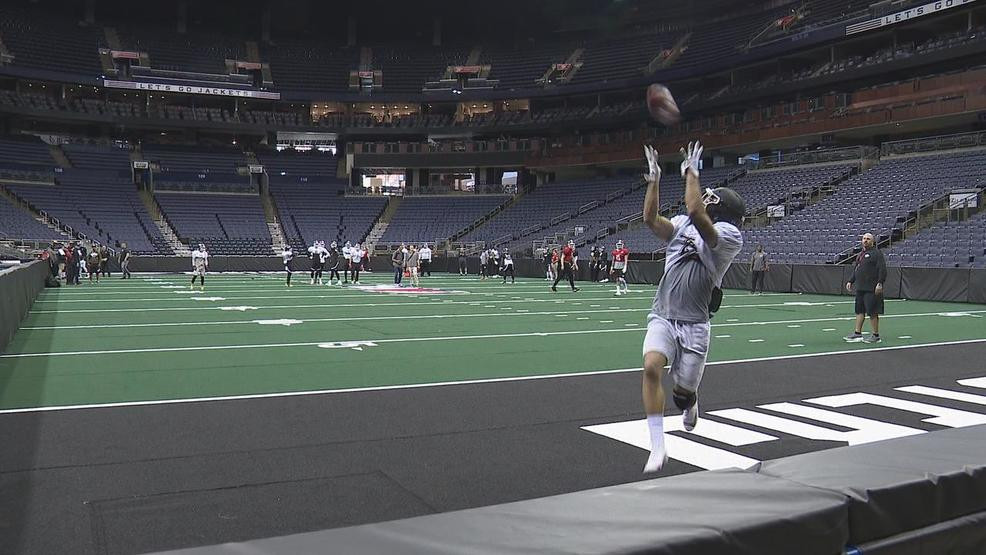 Clay - Columbus Destroyers wide receiver catch practice.jpg