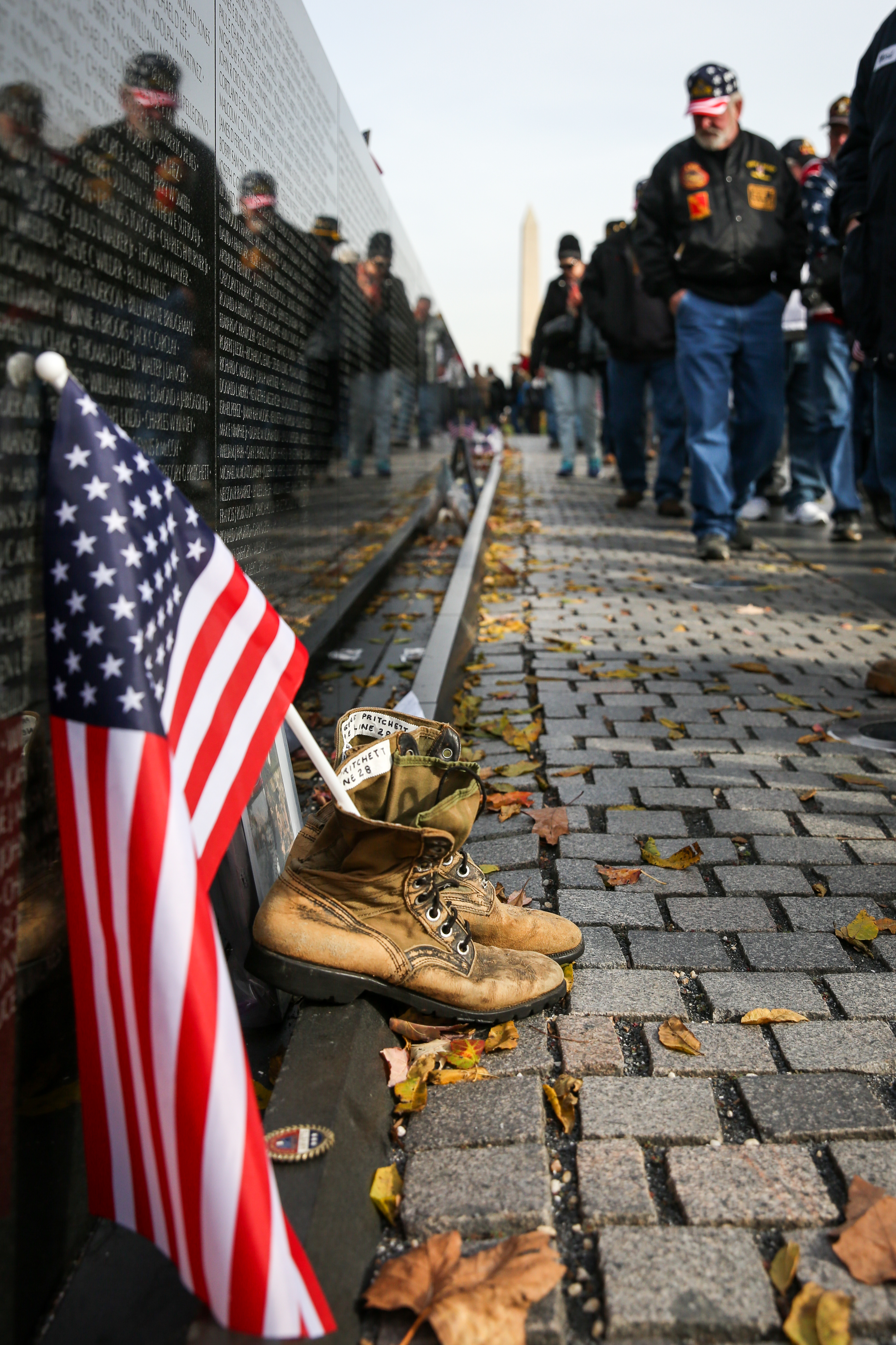 November, 2017. Veterans view the Vietnam Memorial on Veteran's Day.{&amp;nbsp;} (Amanda Andrade-Rhoades/DC Refined)<p></p>