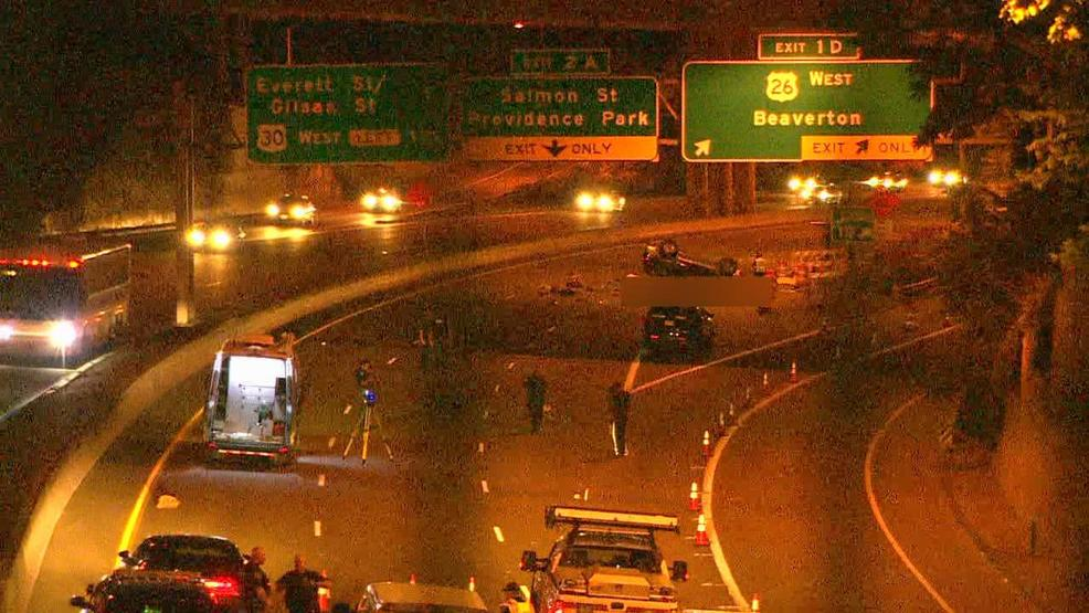 Man, woman killed in rollover crash along I-405 in Portland