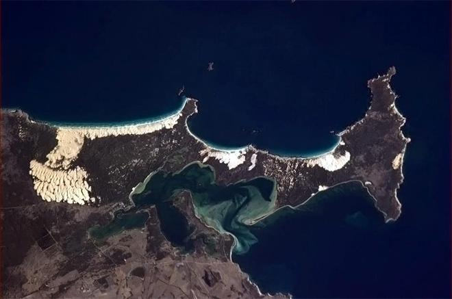 Coffin Bay, National Park in Australia. I wonder why the sand dunes chose that spot?  (Photo & Caption: Chris Hadfield/NASA)