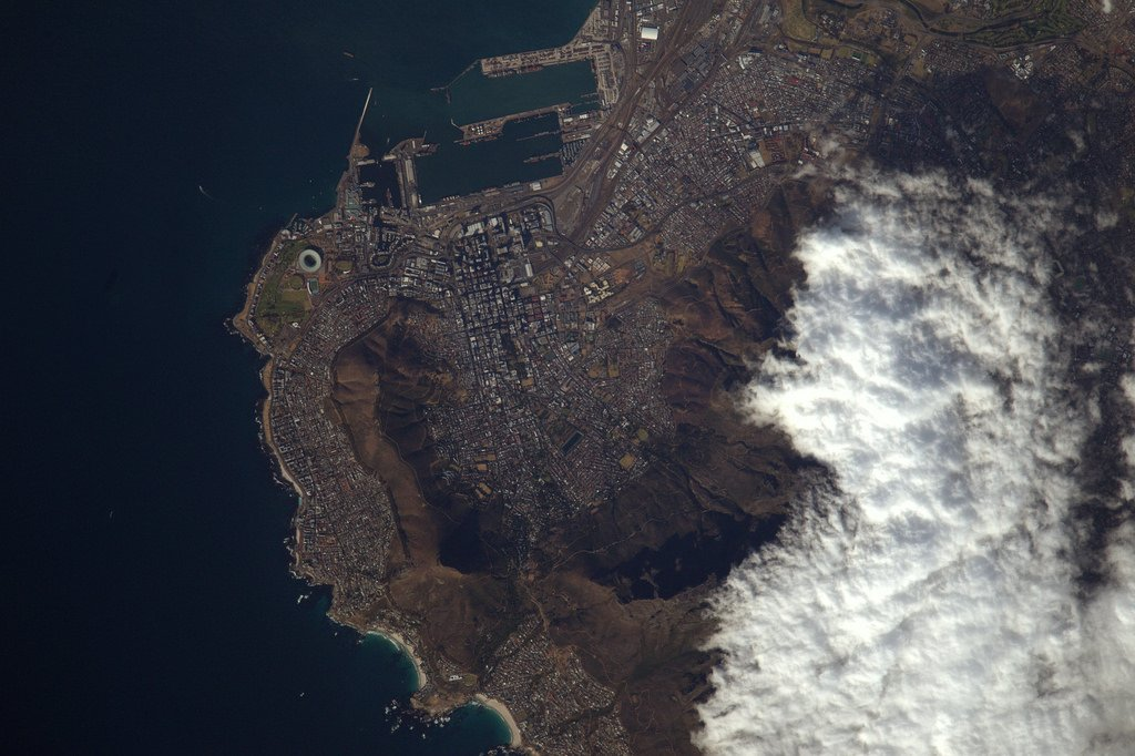 Cape Town, framed by the Lion?s head and the Table Mountain (Photo & Caption: Thomas Pesquet // NASA)