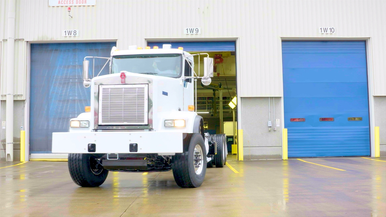 A finished KENWORTH leaving the factory.{&amp;nbsp;}(Image: Seattle Refined) <p></p>