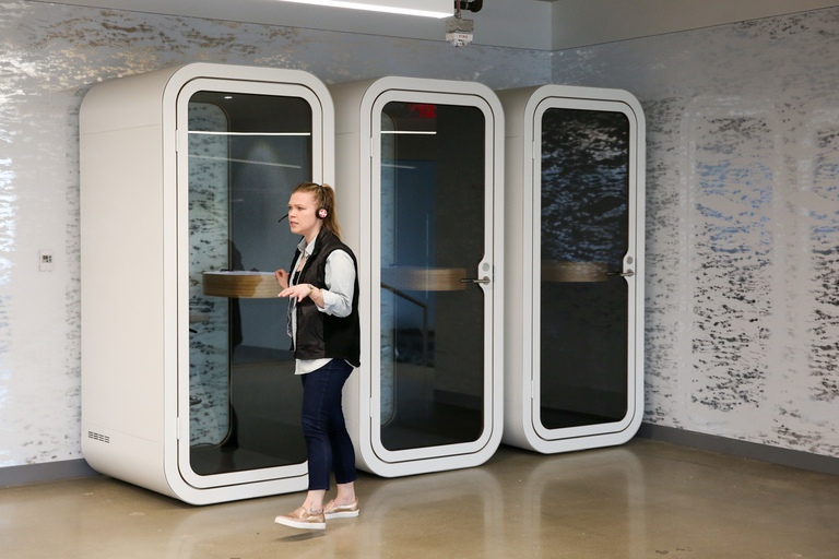 Given that Yelp is one of the largest tech companies currently, it was no surprise that employees could be seen wandering throughout the office space, speaking to clients via headset. (Image: Amanda Andrade-Rhoades/ DC Refined)