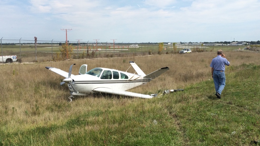 Small Plane Lands In Ditch Near South Bend Airport Wsbt