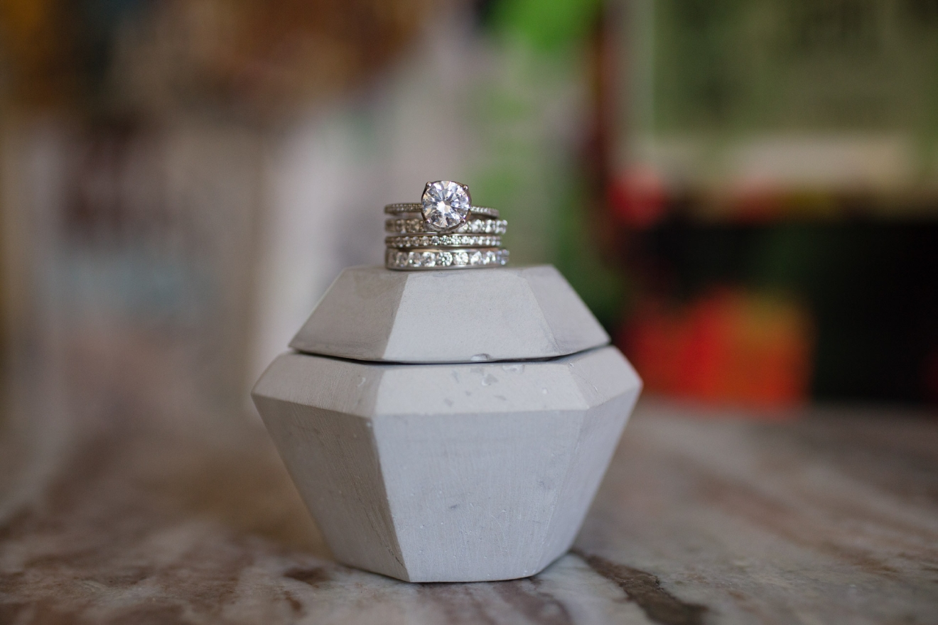 Honey Designs is a custom bridal jewelry designer & proposal connoisseur in Cincinnati. / Image courtesy of Larrison Photography // Published: 3.16.17