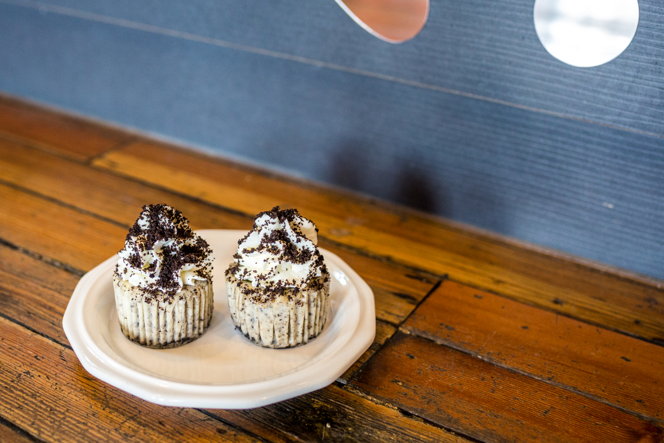 Oakley Oreo cheesecake cupcake / Image: Catherine Viox{ }// Published: 8.1.19