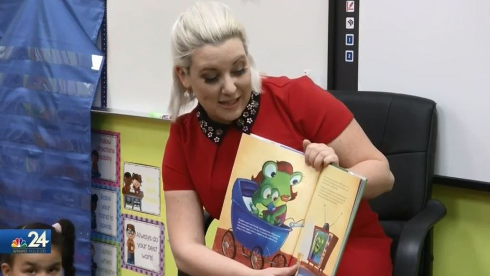 Right to read week with VIP guest reader Meteorologist