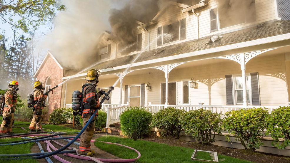 Lovely Firefighters Battle Gresham House Fire, Firefighter Treated For Heat  Exhaustion