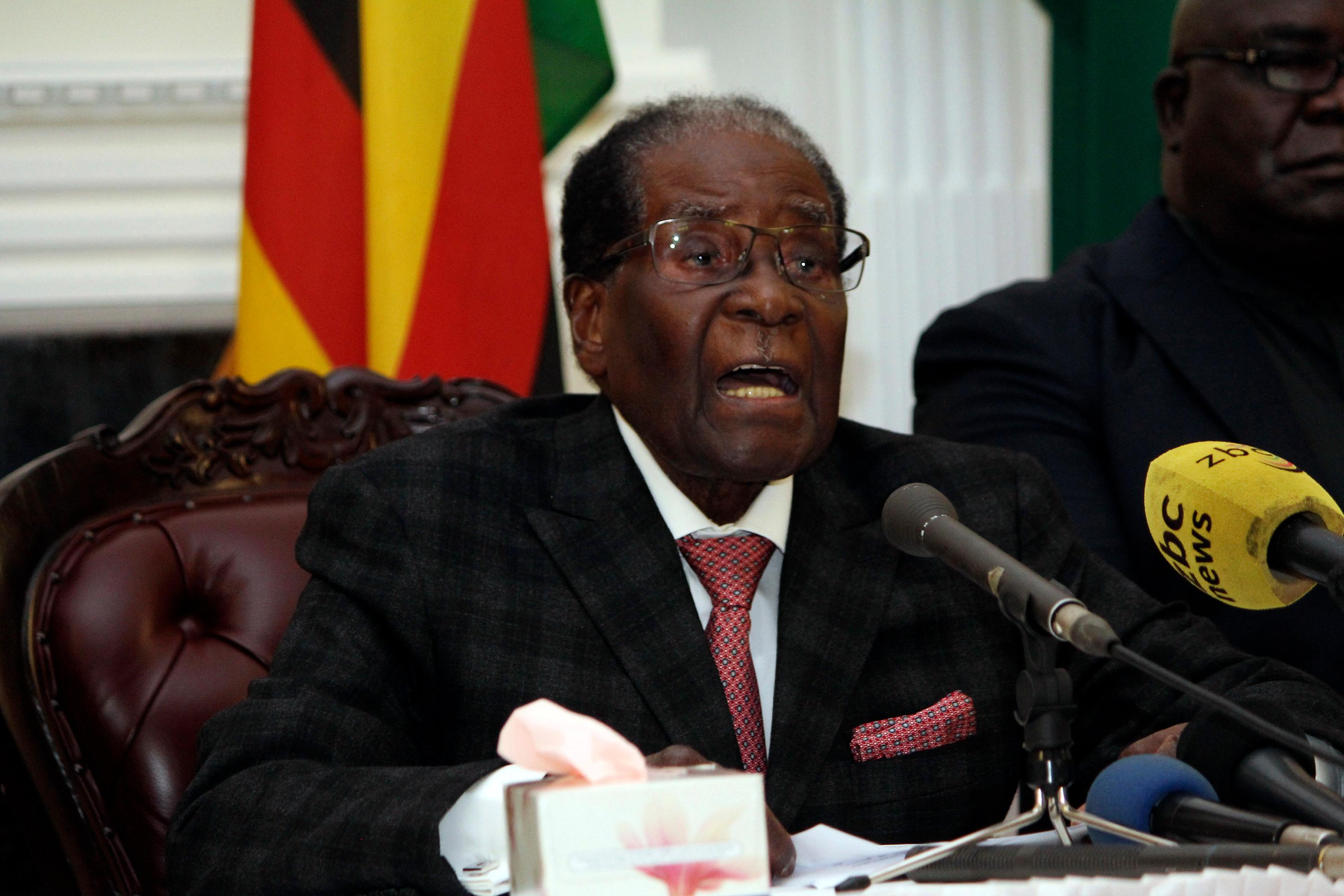 Zimbabwean President Robert Mugabe delivers his speech during a live broadcast at State House in Harare, Sunday, Nov, 19, 2017. (AP Photo)<p></p>