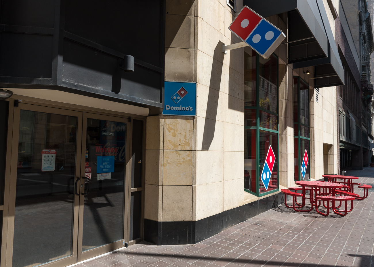 4th Street has pizza: Dominos / ADDRESS: 28 W 4th Street / Image: Phil Armstrong, Cincinnati Refined // Published: 4.23.18
