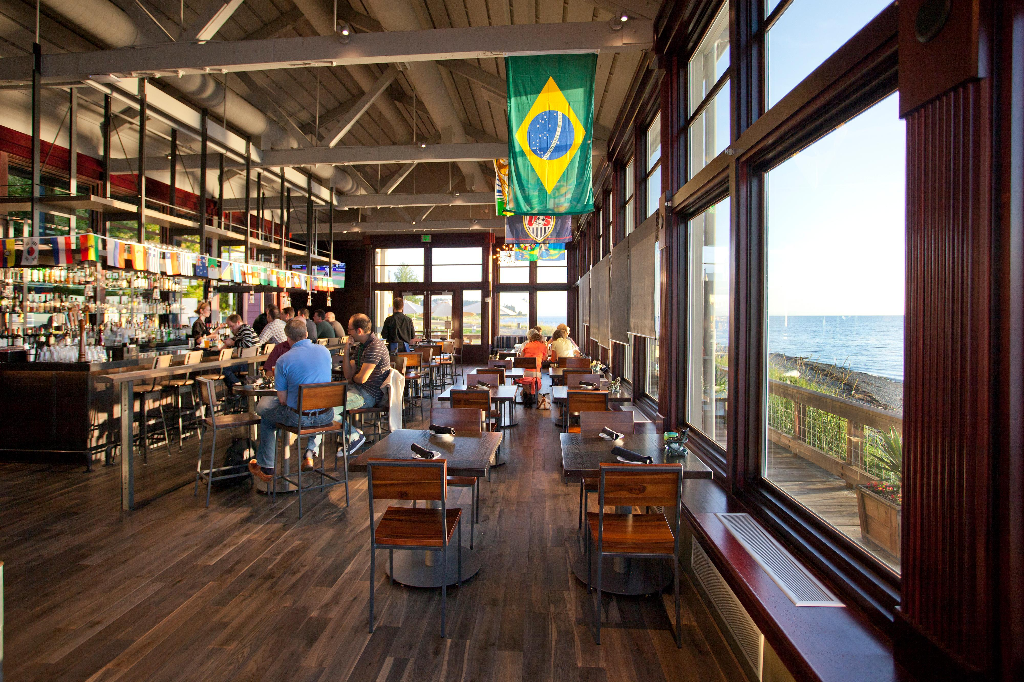 Enjoy a casual atmosphere and delicious food at Packers Oyster Bar.