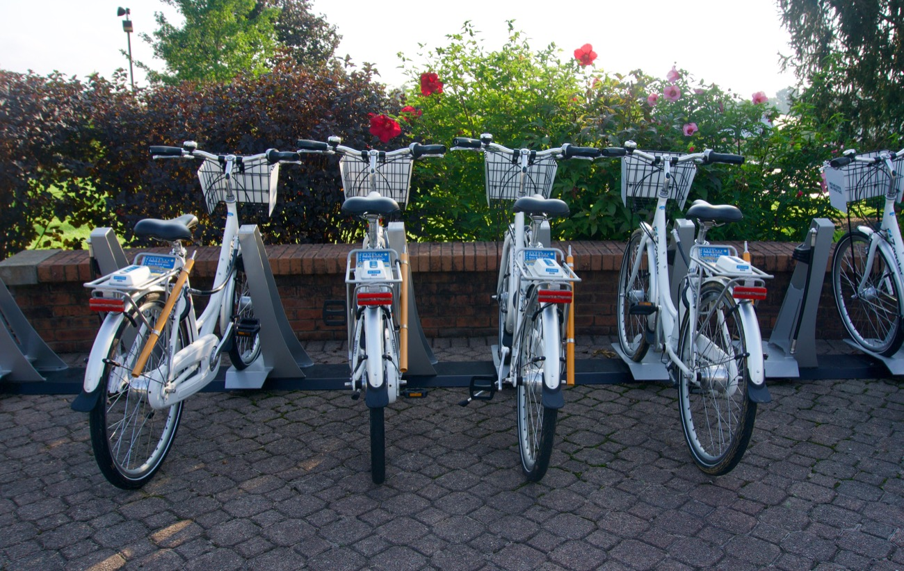 <p>The bikes share program is provided and operated by Zagster, a Massachusetts-based company that does the same in more than 200 communities around the nation. You can pay for an annual membership or pay as you go, $1 for every 30 minutes. / Image: Brian Planalp // Published: 8.28.18</p>