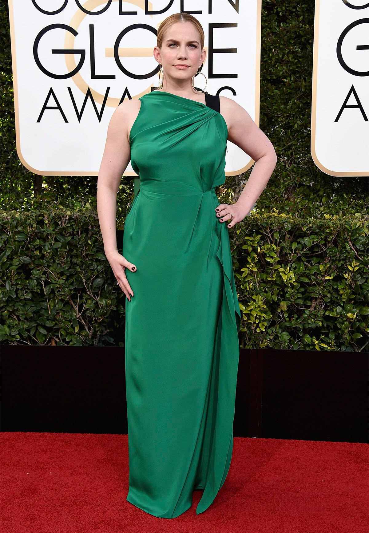 Anna Chlumsky arrives at the 74th annual Golden Globe Awards at the Beverly Hilton Hotel on Sunday, Jan. 8, 2017, in Beverly Hills, Calif. (Photo by Jordan Strauss/Invision/AP)