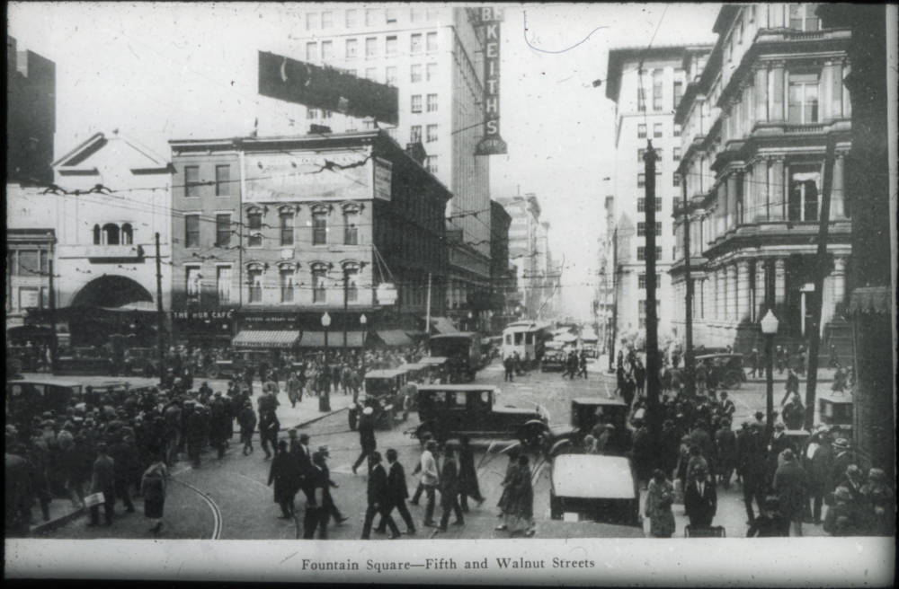 5th & Walnut Streets / DATE: Unknown / COLLECTION: Public Library of Cincinnati and Hamilton County / Image courtesy of the digital archive of The Public Library of Cincinnati and Hamilton County // Published: 4.4.18