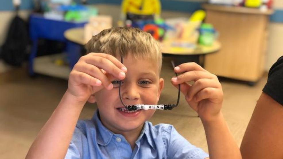 Nashville kindergartners making bracelets to raise money for the Bahamas after Dorian