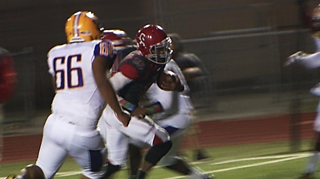 Johnny Bizzell handed the ball off to Dadrion Taylor who took the it into the endzone for a score. Carl Albert went up 14 - 0 on Northwest Classen on Thursday, Oct. 13, 2016 (Ivan Gibson  / KOKH)