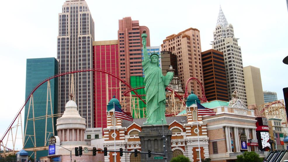 Cl Las Vegas >> Fire Crews Rescue 15 20 People From Elevator At New York New York Ksnv