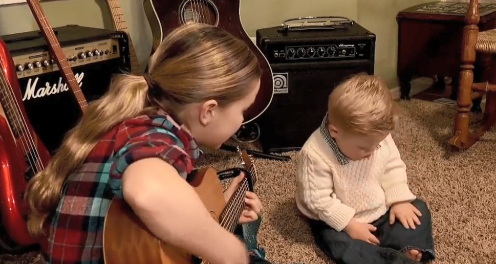 Utah sister singing to brother with down syndrome goes viral  (Photo: KUTV)