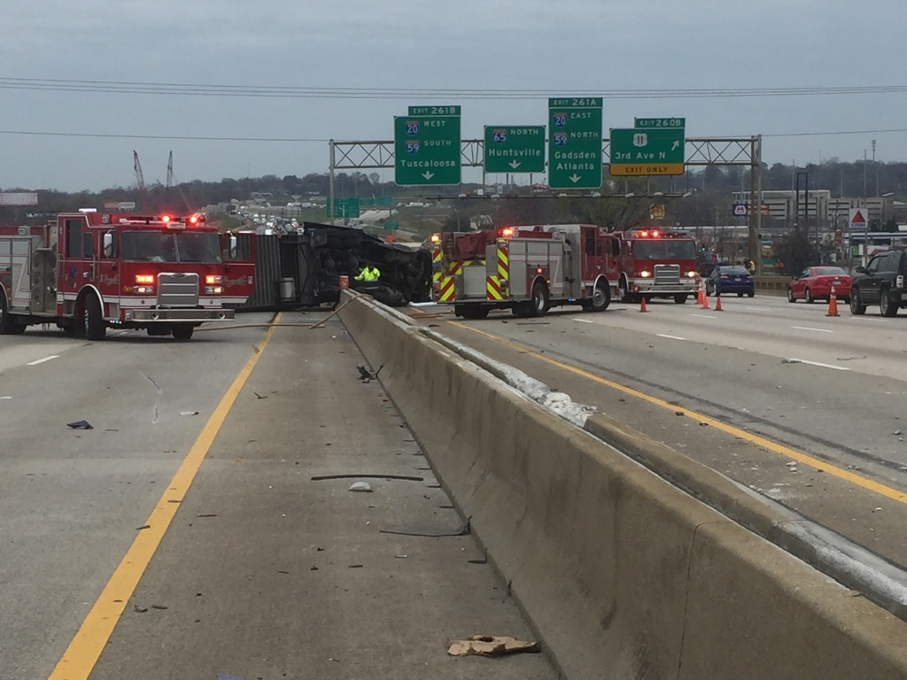 Crash causing traffic problems on I-65 (abc3340.com | Alan Baker)