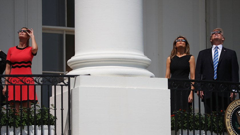 trump-eclipse6-1503359675362-8071574-ver1-0.jpg