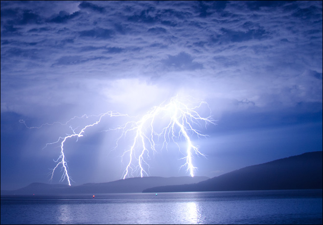 Lightning strikes in Anacortes early Friday morning. (Photo by YouNews contributor whatwhat)