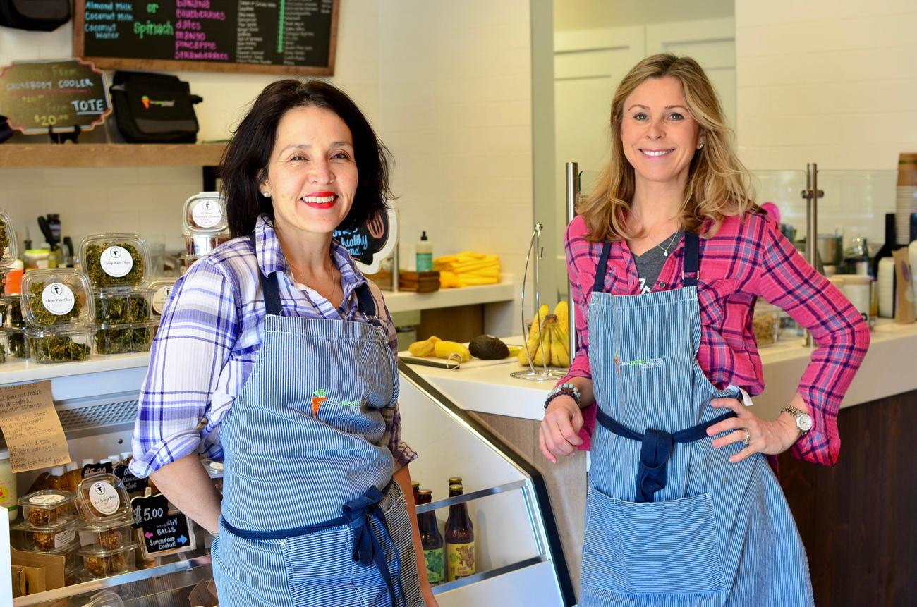 Mara Boord and Amanda Bottleson, owners of Green Farm Juicery / Image: Leah Zipperstein, Cincinnati Refined // Published: 3.10.18