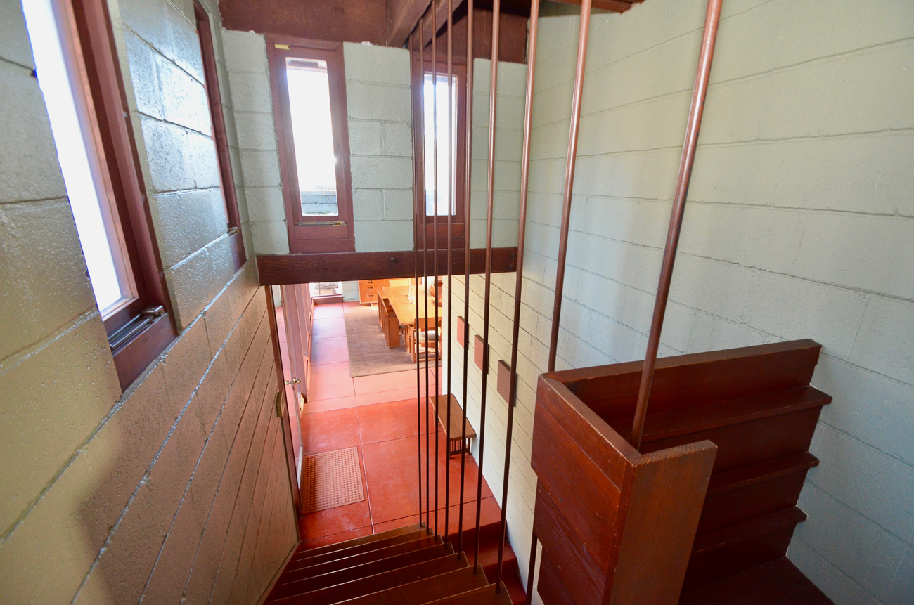 Owners Janet Groeber and Chuck Lohre bought the Boulter House in 2003 and spent 15 years restoring/renovating parts of it. Their care for the home and respect for FLW's original design for the home is evident in the way they've managed to improve the house without fundamentally changing important design elements. They've listed the house for $695,000. / Image: Susan Rissover // Published: 1.12.19
