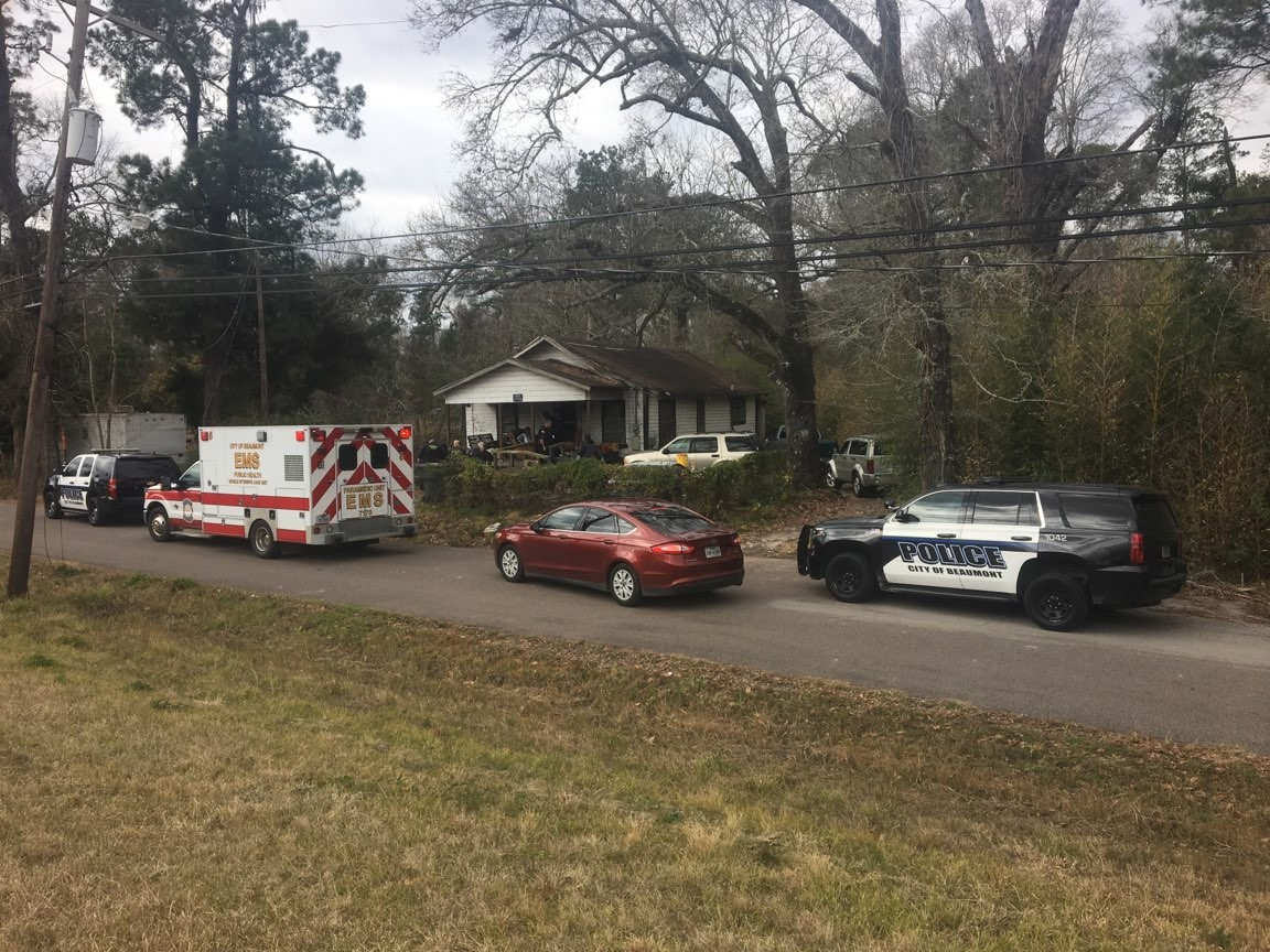 <p>Police are responding to a shooting in the 10700 block of Black Lane near Tram Road.</p>