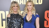 Goldie Hawn, Amy Schumer get 'Snatched' at movie premiere