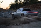 2018_11_K.-Rivian_R1T_Fun_In_Dirt_2.jpg