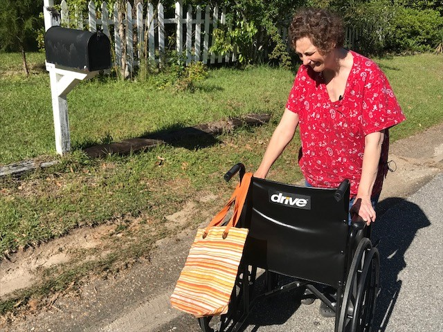 (WPMI) Mobile woman who uses wheelchair says mailman refuses to bring her mail to the door