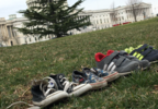 Shoe monument on US Capitol III.PNG