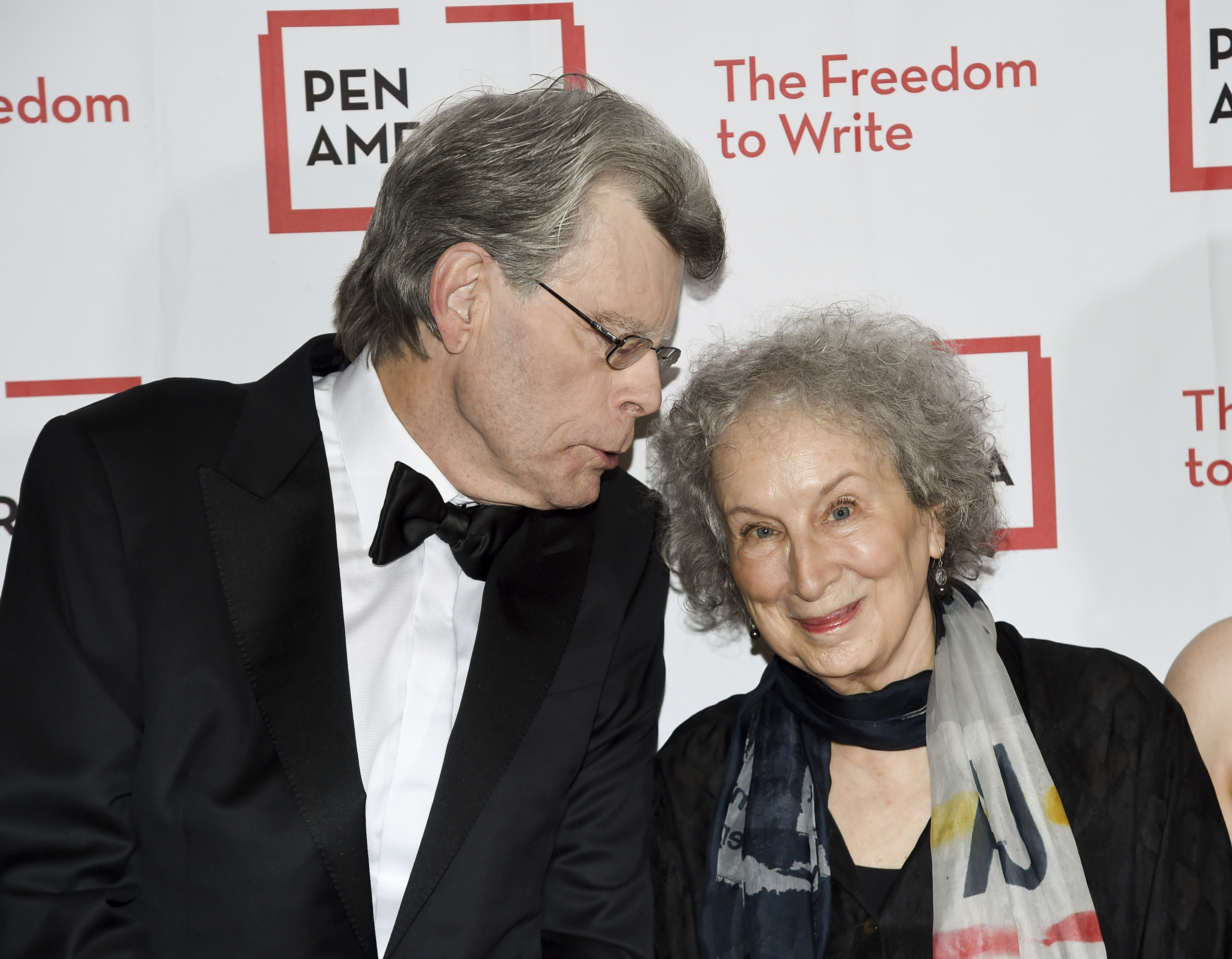 PEN literary service award recipient Stephen King, left, and author Margaret Atwood attend the 2018 PEN Literary Gala at the American Museum of Natural History on Tuesday, May 22, 2018, in New York. (Photo by Evan Agostini/Invision/AP)