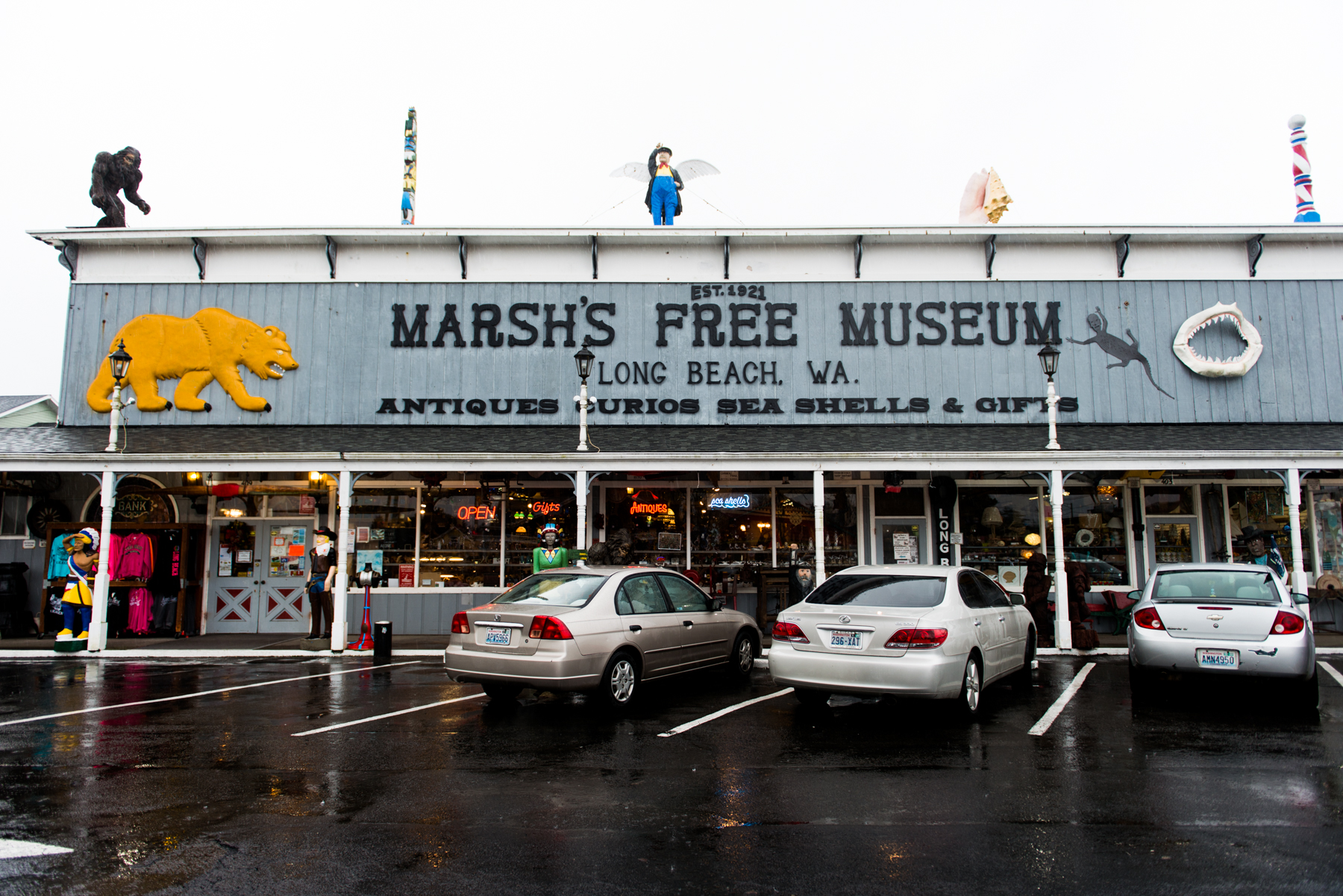 For all things gloriously wacky and tacky, you need look no further Marsh's Free Museum in Long Beach. Quite possibly one of the most peculiar sites in Washington state, the combination gift shop and museum is home to the legendary Jake, the Alligator Man,  as well as a motley assortment of creatures like a two headed calf, a Wyoming werewolf and tchotchkes galore. Join us in a exploration of all the weirdness within after the jump! (Image: Chona Kasinger/ Seattle Refined)