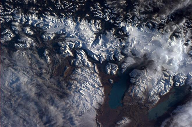Gorgeous glacial flows near Straits of Magellan. I was there in '08 (Photo & Caption courtesy Reid Wiseman (@Astro_Reid) and NASA)